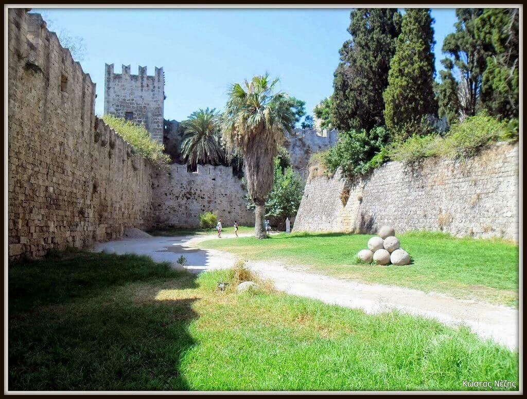 Ρόδος παλιά πόλη μεγάλη τάφρος