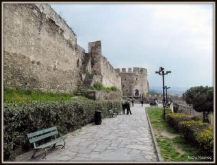 Ανατολικά τείχη, Πύργος Τριγωνίου